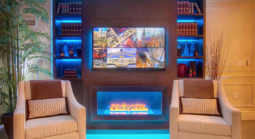 Best Price on Sky Suites Yorkville in Toronto (ON) + Reviews!
