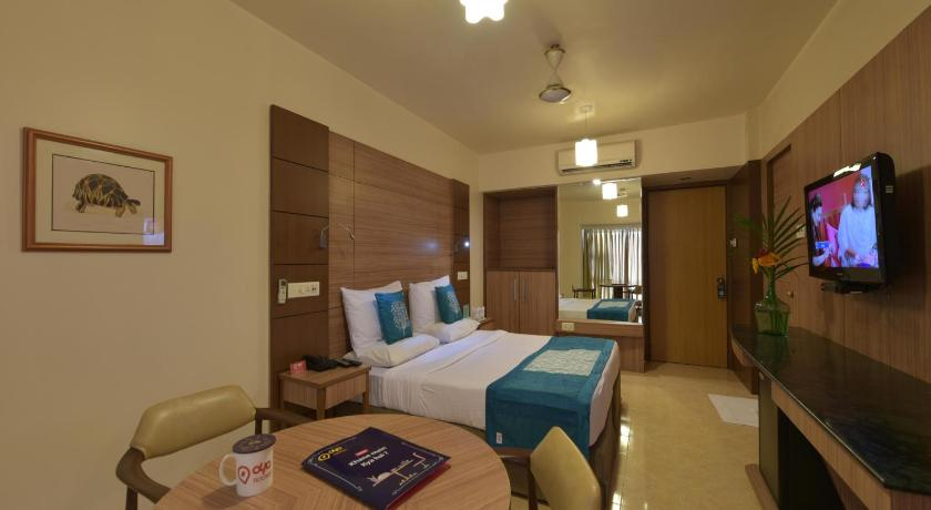Double or Twin Room OYO Premium Railway Station Sumul Dairy Road
