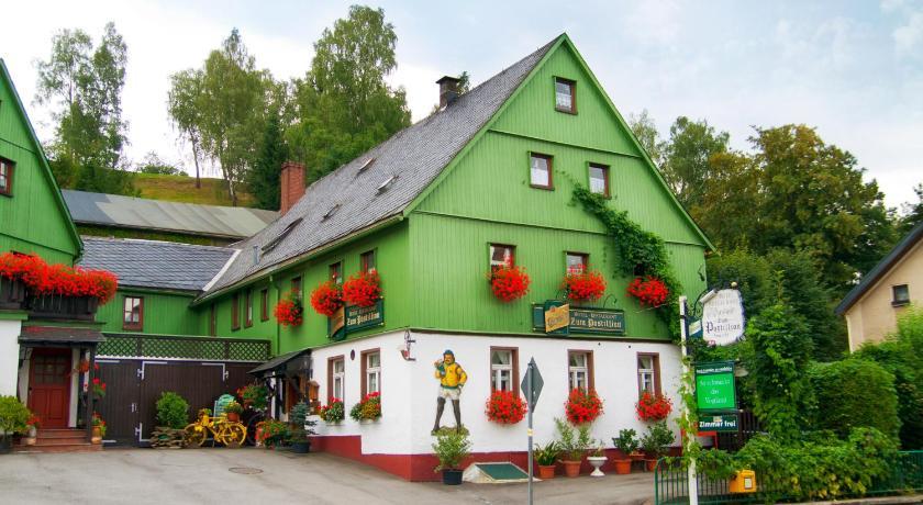 Hotel & Restaurant Zum Postillion Auerbacher Str. 146 Klingenthal