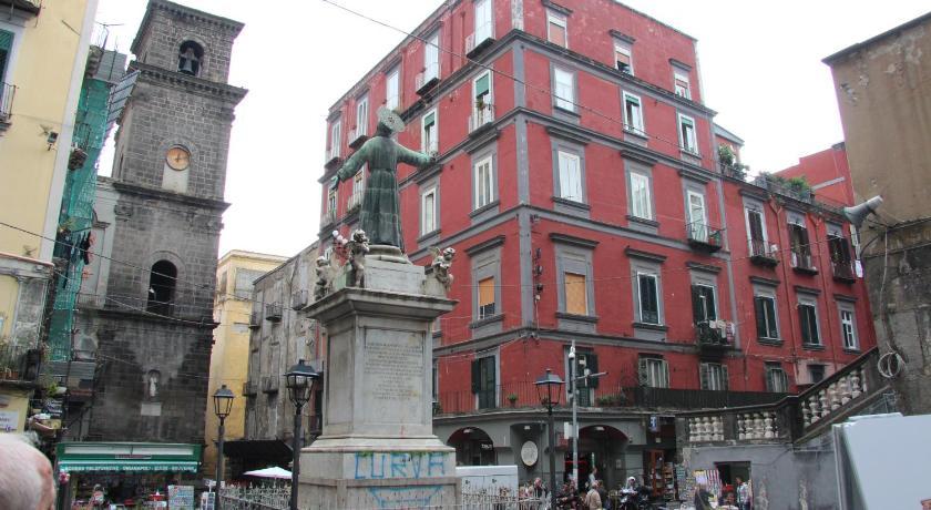B&B San Gaetano Bed - Napoli | Bedandbreakfast.eu