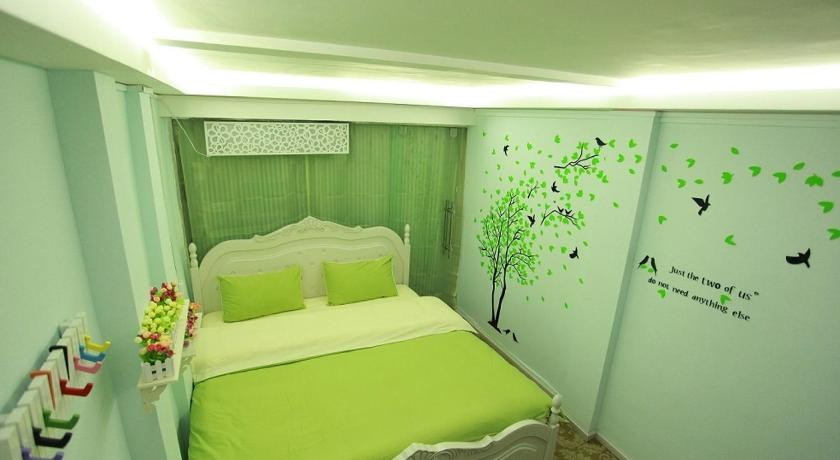Double Room 201 Lijiang Yixin Garden Theme Inn