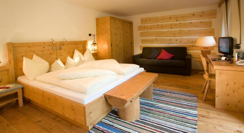Mountain Room - חדר שינה Natur- & Wanderhotel Tuxertal