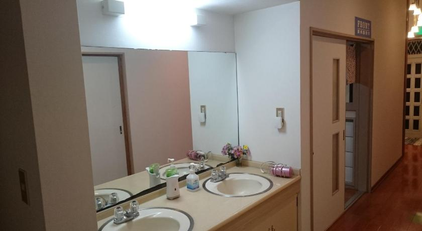 Japanese-Style Standard Room with Shared Bathroom - Bathroom Mansyuya