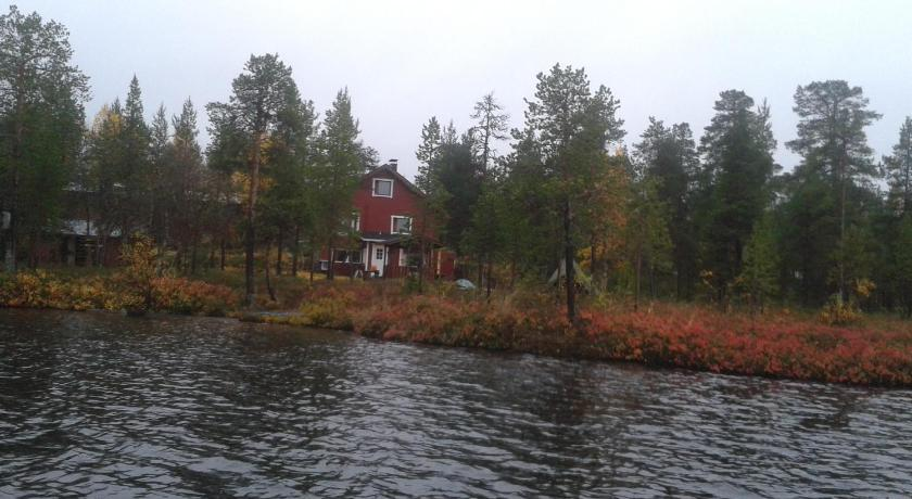 One-Bedroom Chalet - View Ivalo Lake Cottage