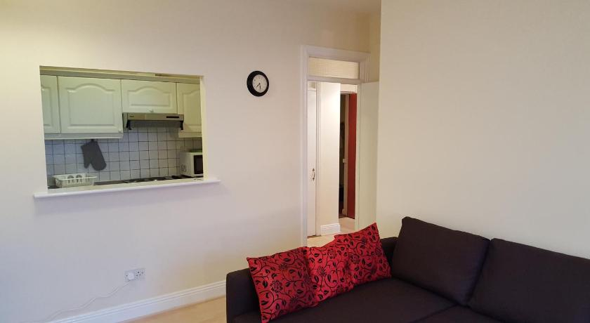 Two-Bedroom Apartment - Separate living room Caple Street City Centre Apartment