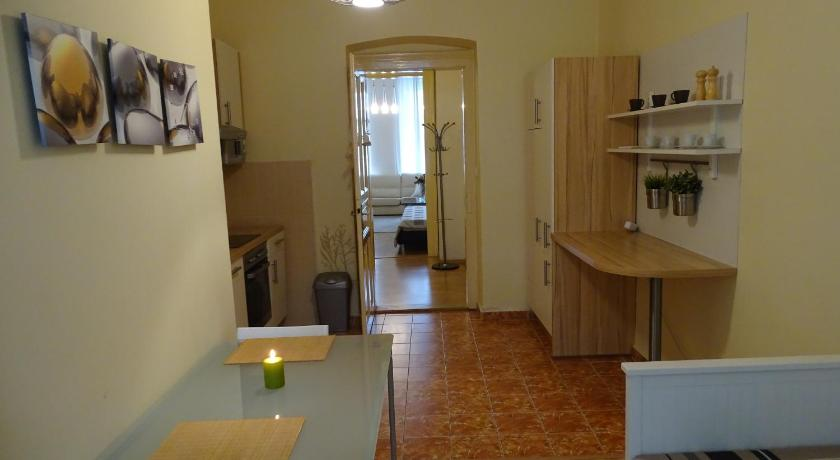 Apartament cu 2 dormitoare Best Central Apartment Slezská