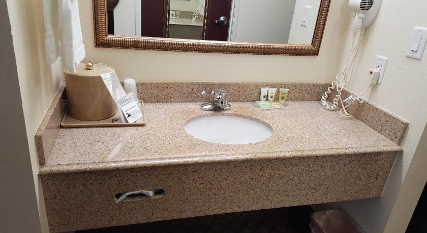 See all 26 photos Budget Host Inn and Suites Cameron