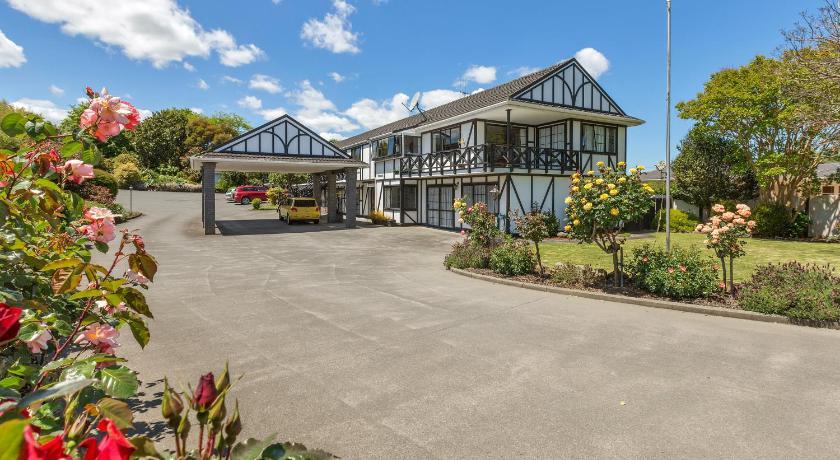Kingswood Manor Motel   New Zealand Budget Hotels
