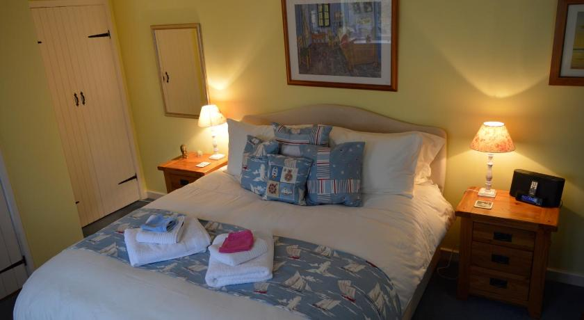 Double Room Candleford B&B