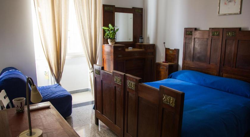 Double or Twin Room with Two Shared Bathrooms B&B A casa di Andrea