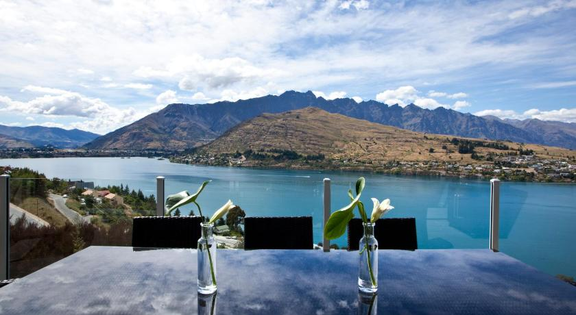 Twin Lakes | New Zealand Budget Hotels