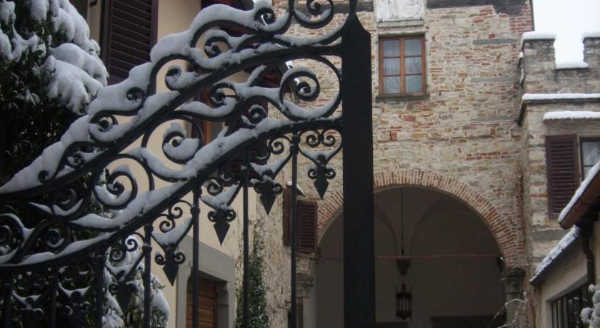 I Parigi Corbinelli - Residenza d'Epoca Via della Luigiana, 12 Florence