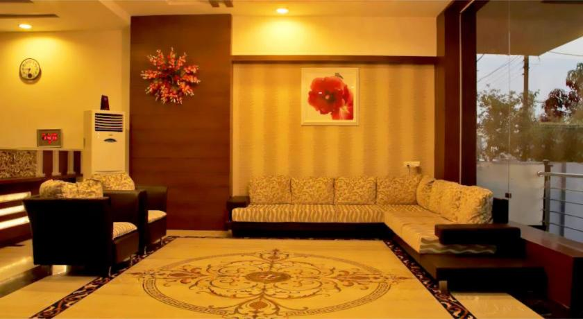 Standard Double Room - Lobby Vista Rooms At Bhavarkaun