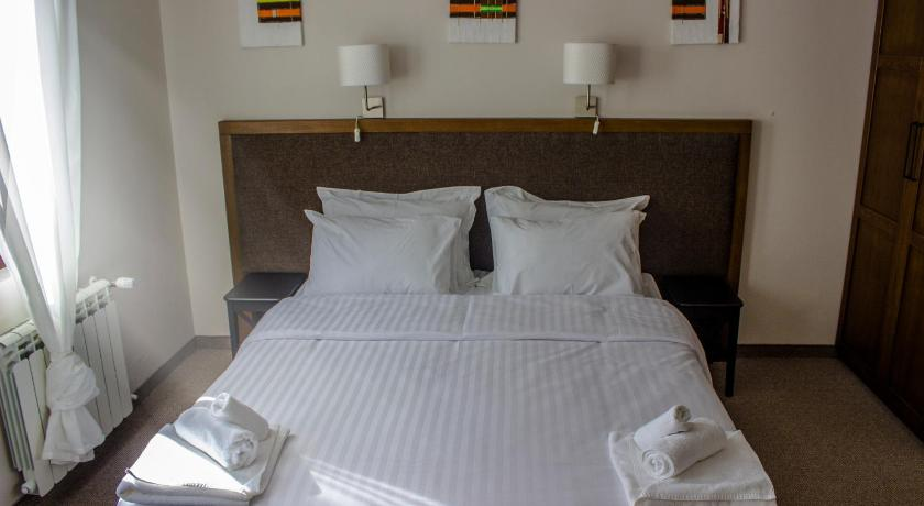 Standard Double or Twin Room with Balcony - Guestroom Trigrad Hotel Retreat and Wellness