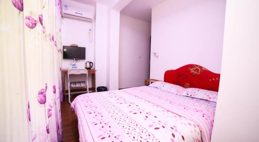 Double Room with Private Bathroom Yichang Jiujianfang Hostel