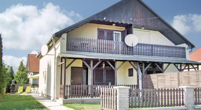 Holiday Home Balatonfenyves 01