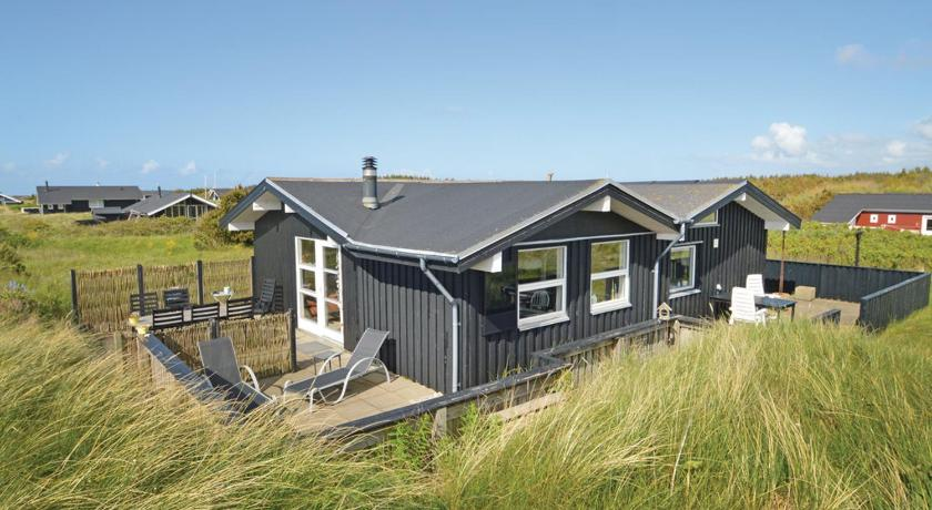 Holiday Home Hirtshals with a Fireplace 05