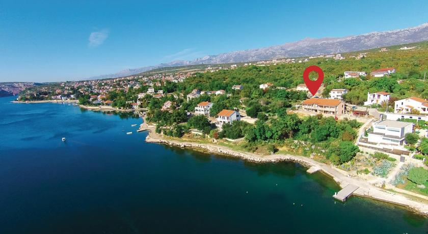 Three-Bedroom Apartment Maslenica with Sea View 06