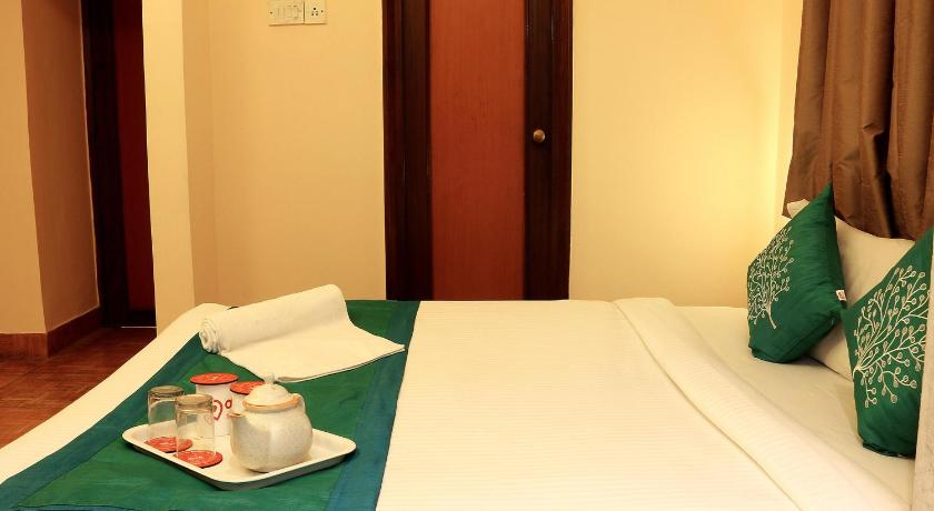 Double or Twin Room - Indian Nationals only - Guestroom OYO Rooms Rowland Street