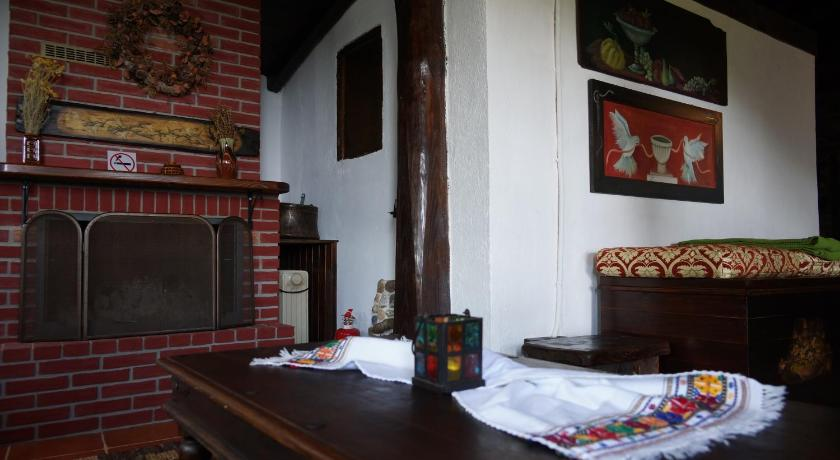 Apalni Traditional Guesthouse