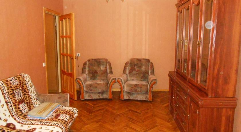 Apartment On Khmelnitskogo 102