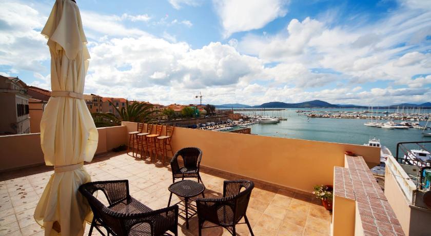 Best Price on La Terrazza Sul Porto - Guest House in Alghero + Reviews!