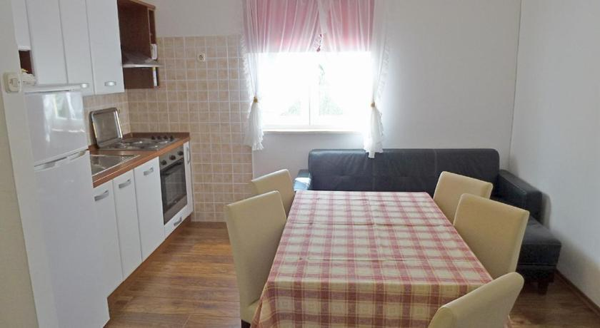 Se alle 24 billeder Njivice Three-Bedroom Apartment 2