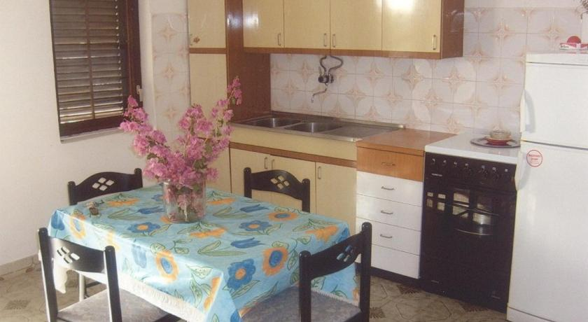 One-Bedroom Apartment in Privlaka I