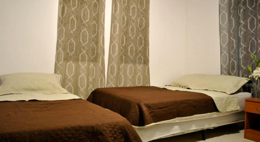 Triple Room - Guestroom Urban Life Hostal