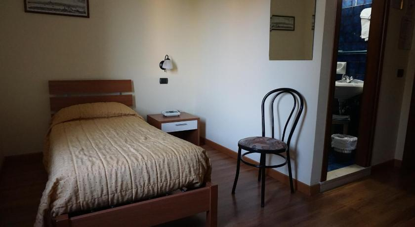 Single Room - Bathroom Hotel Siros