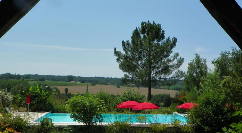 Swimmingpool Le Manoir de Gaboria B&B