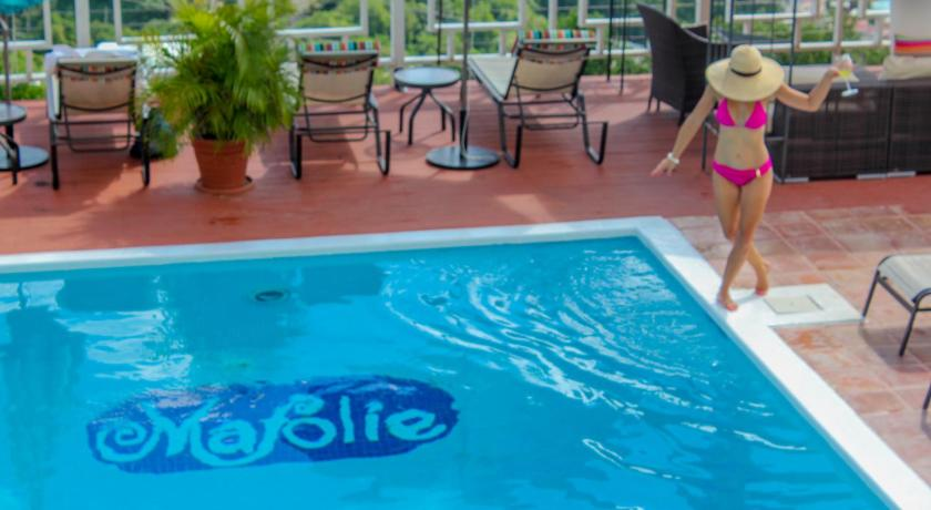 Swimmingpool The Mafolie Hotel