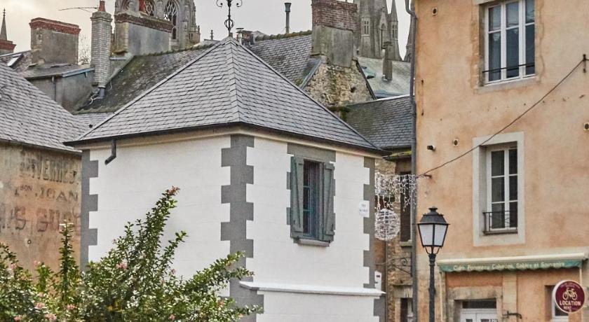 La plus petite maison de france book online bed breakfast europe - Photo de petite maison ...