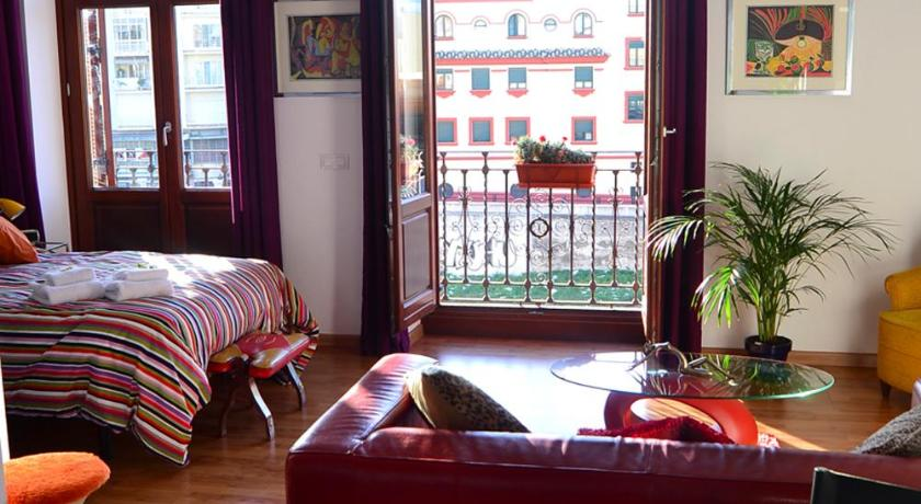 More About Shiny Malaga Apartments
