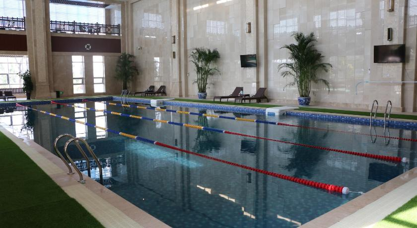 Swimming pool Yinchuan Western Airport Aviation Hotel