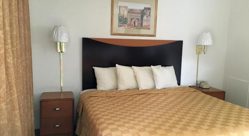 Economy Inn Ruidoso Downs