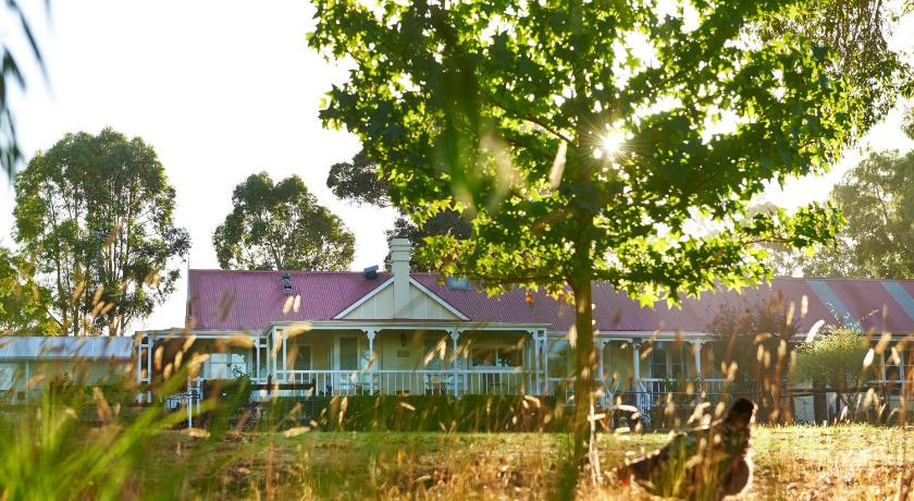 More about Karri House. Eat - Stay - Love