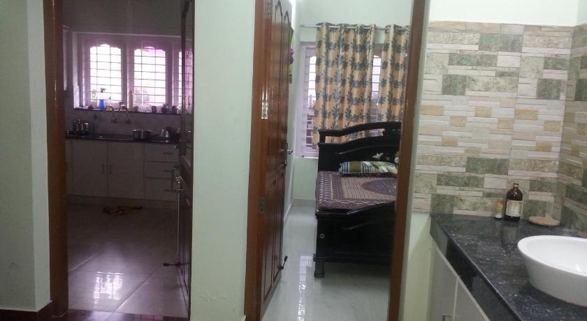 Bathroom Doors Trivandrum aabhaa homestay in trivandrum | book online | bed & breakfast europe