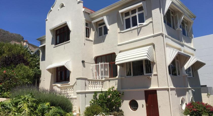 Cheap Hotels in Cape Town South Africa | Villa Zeezicht