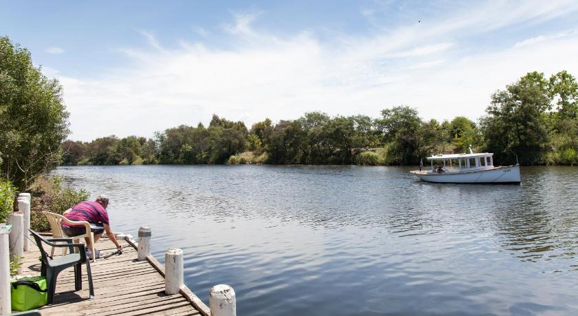 Australia Hotel Booking | Mitchell Gardens Holiday Park