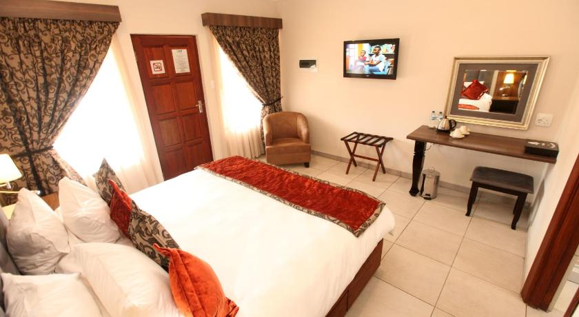 Double or Twin Room - Guestroom Usambara Lodge