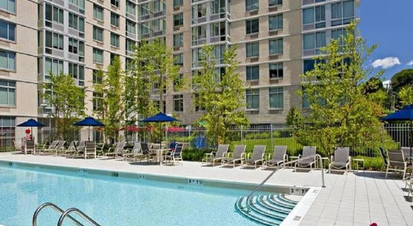 Pool Global Luxury Suites in the Heart of White Plains