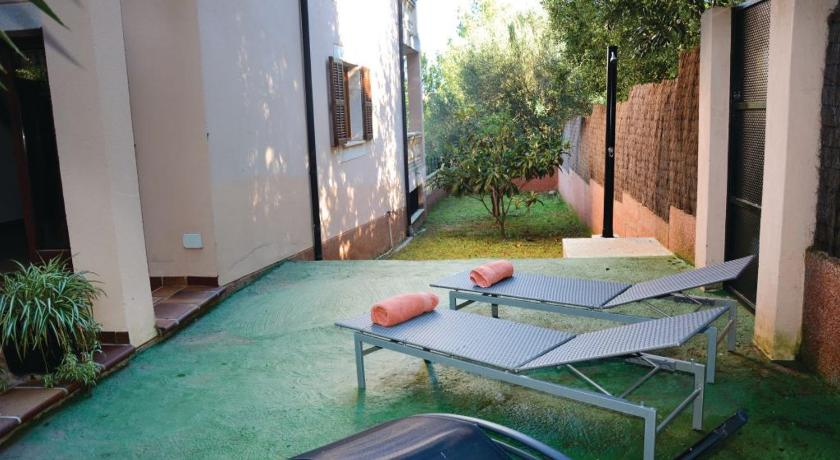 See all 40 photos Four-Bedroom Holiday home Estepa 05