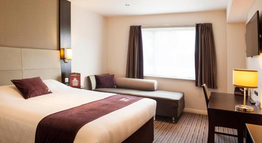 Single Room - Guestroom Premier Inn Leeds City West