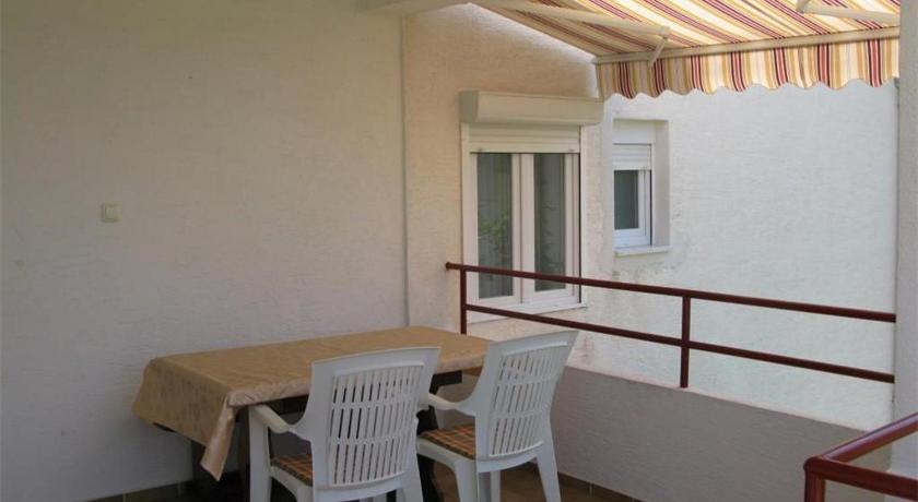 Apartment in Barbat with Sea View III