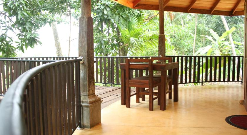 Balkon Guruwaththa Eco Lodge