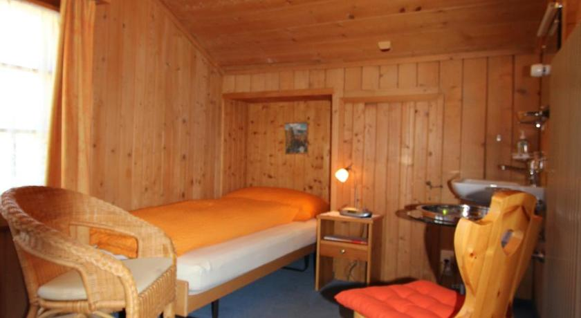 Single Room with Shared Bathroom - Guestroom Pension Mezzaprada