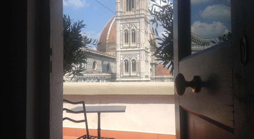 Entrada Studio Amazing view on Florence Dome
