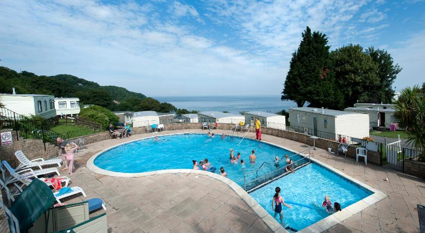 Swimming pool Sandaway Holiday Park