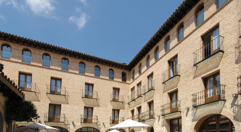 Hotel Cienbalcones 11